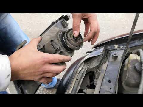 Замена лампы ближнего дальнего света Toyota Carina