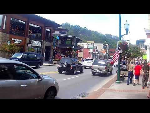 Gatlinburg and Pigeon Forge TN Travel Vacation