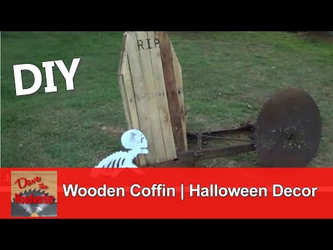 how to make a wooden coffin for halloween decoration using pallet wood - Wooden Halloween Decorations