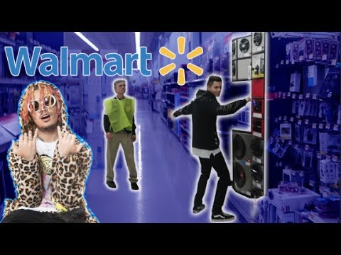 "Lil Pump ""Gucci Gang"" Speaker Prank in Walmart! (Cops Come)"