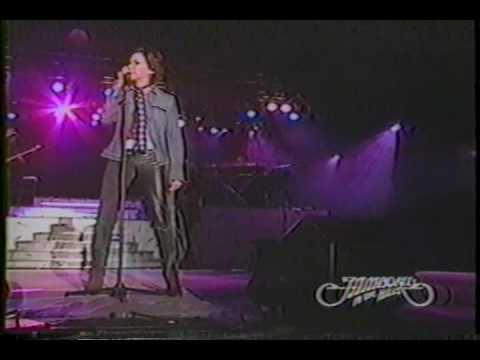 Martina McBride - 10  Love's The Only House - Jamboree In The Hills 2003