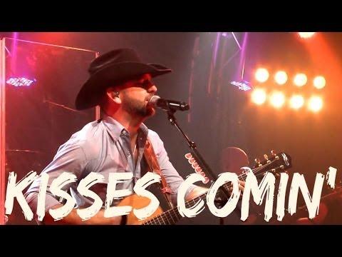 Craig Campbell - Keep Them Kisses Comin' (Official Lyric Video)