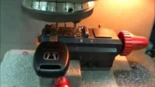 Изготовление ключей на компьютерном станке.wmv