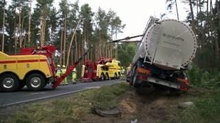 Auto Pomoc Szkwarek - Stawianie Zestawu pojazdów, Silos Wypadek, Holowanie