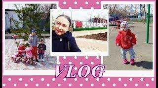 Vlog:Наша прогулка.Эля поёт)