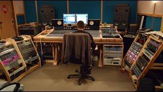 видео Как проходит процесс записи песни в студии? - Студия звукозаписи Stereo Drive г. Зеленоград, г. Москва