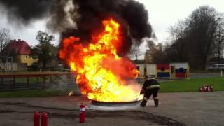 Калининград огневые испытания 31.10.2014 (тушение огнетушителями наиболее представленными в России)