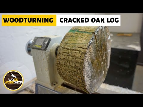Woodturning Cracked Oak Log