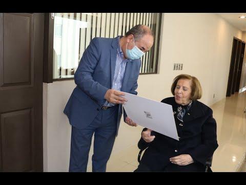 Una Guerrera De Israel Conoce A Un Embajador De Gran Corazón