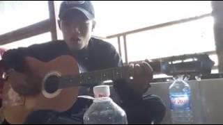 Quên Em Trong Từng Cơn Đau - Thanh niên ngẫu hứng vs cây guitar cực hay