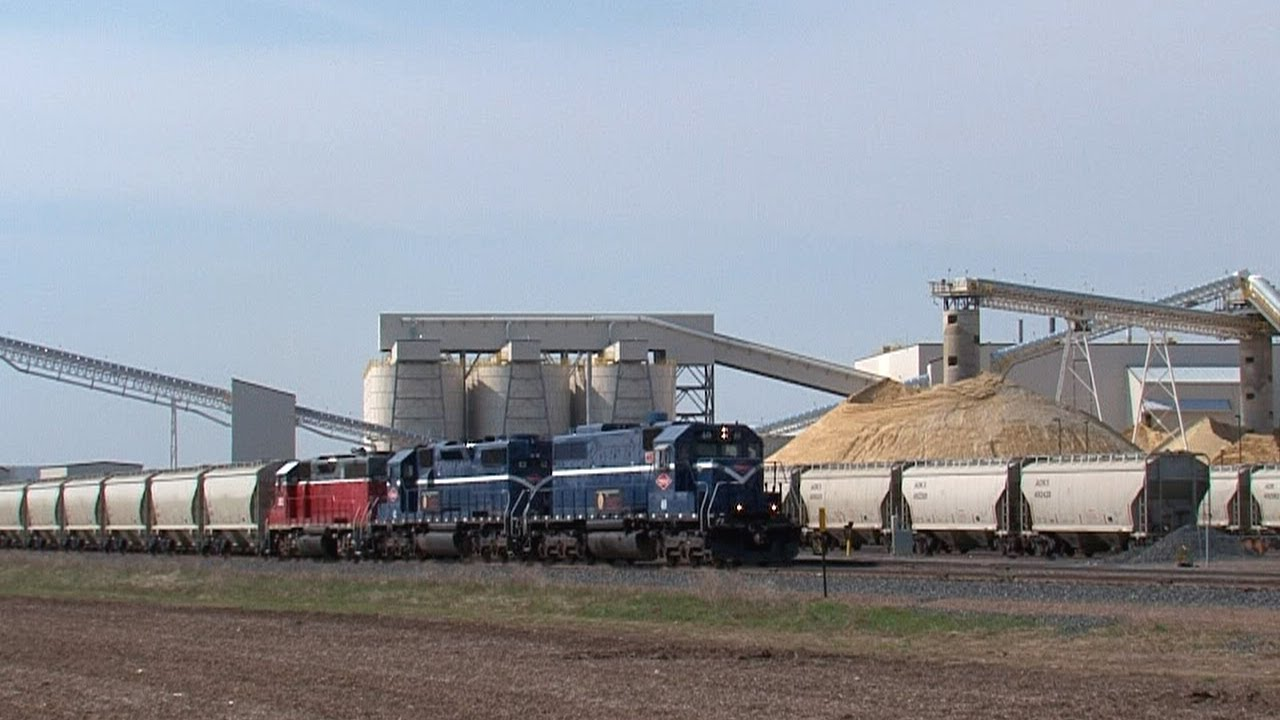 Frac Sand Mining Trains In Wisconsin S Chippewa Valley Youtube