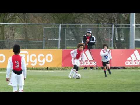 Levi met Ajax o8 tegen DCG o10