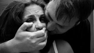 Мой насильник остаётся безнаказанным (полный выпуск) | Говорить Україна(Он насилует девушек, а милиция его выпускает. В Луганске орудует насильник, которого покрывает милиция...., 2014-06-17T09:35:25.000Z)