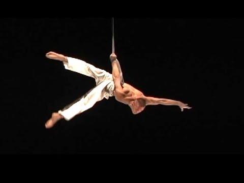 Зарипов Игорь Воздушный гимнаст на ремнях