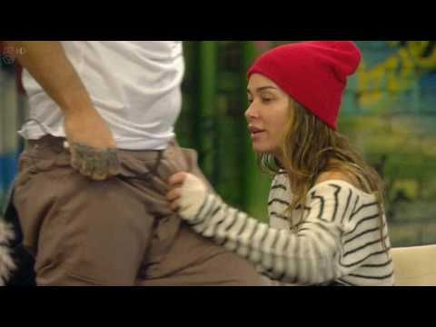Sheepish Jasmine Waltz apologises to Calum Best for jumping into bed with him    before bizarrely fr