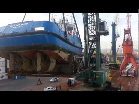 How to load a Tug-Boat or Yacht on board the vessel
