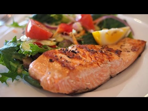 Eat fatty fish to lose weight and live longer