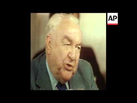 SYND 23-7-73 ARCHIBALD COX SEEKS SUBPOENAS FOR THE WATERGATE TAPES