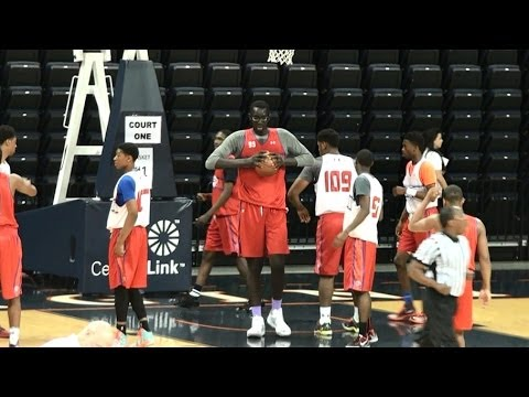 7'5 Tacko Fall is IMPOSSIBLE to Guard - NBPA Top 100 ...