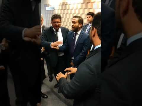 Carlos Viana e André Janones batem boca em discussão sobre criação de CPMI de Brumadinho