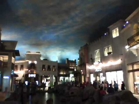 Indoor Rainstorm In Las Vegas Miracle Mile Mall Youtube