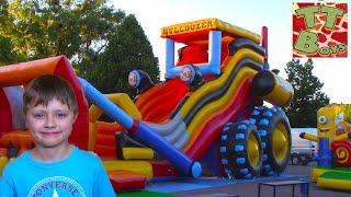 Детская Площадка для детей Едем на Большой Машинке Горке на Тракторе Видео для Детей