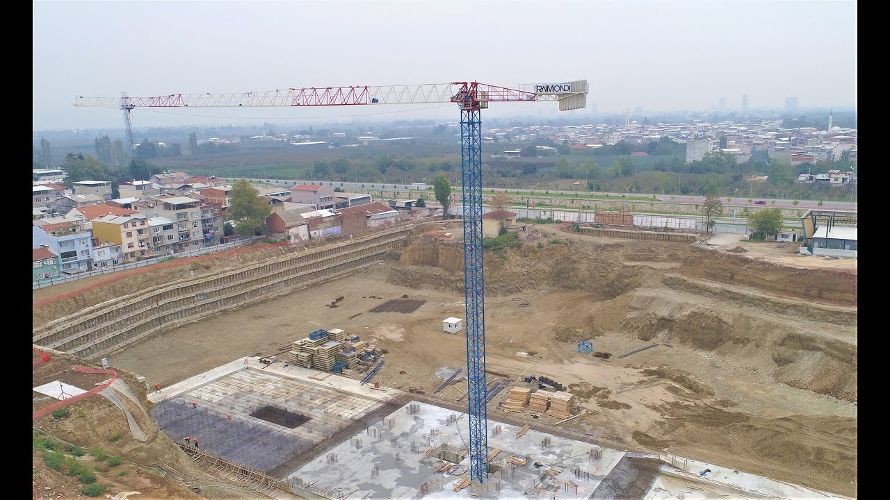 AKEM Group erects first of six Raimondi tower cranes in Turkey
