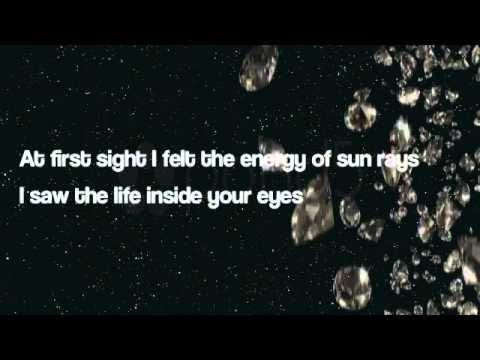 Rihanna - Diamonds ( Lyrics )