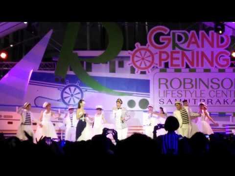 ณเดช-ญาญ่า Grand Opening โรบินสัน สมุทรปราการ 31/10/57