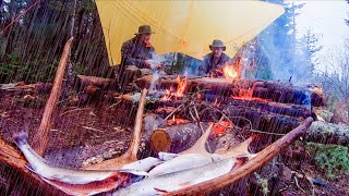 Camping in Heavy Rąin Campfire Catch Cook Trout With My Self Reliance and Jim Baird