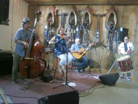 Huntress Bridge Band - Crossing to Ireland - MW Valley Music NH