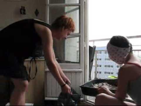 lisette change la litiere puante du chat youtube. Black Bedroom Furniture Sets. Home Design Ideas