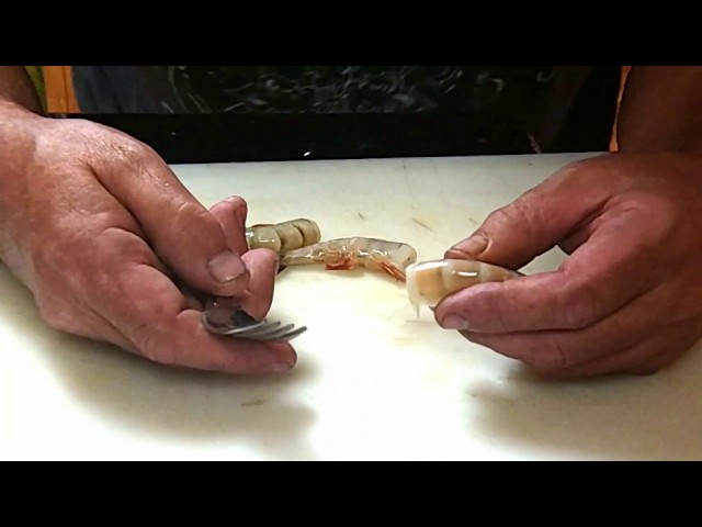How to peel and De-vein shrimp with the Easy fork method.