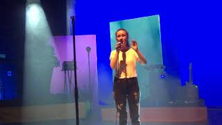 Dynamite - Sigrid Live In London - O2 Shepherd's B
