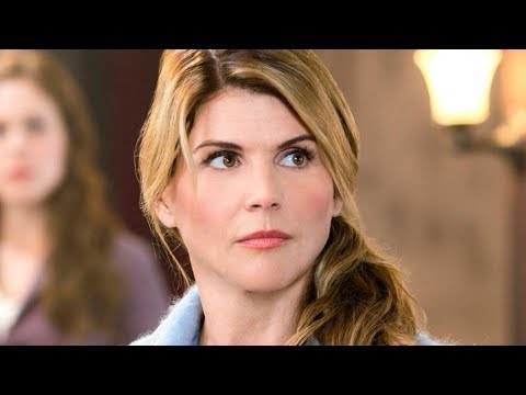 Twitter In Disbelief Over Lori Loughlin's Plea thumbnail