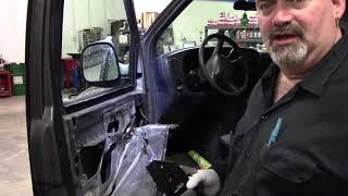 Chevrolet Express/GMC Savanna Inside Door Handle Replace