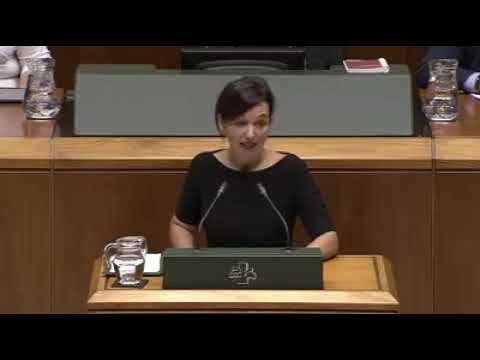 Mensaje desde Euskal Herria a Catalunya en el Parlamento Vasco por diputada EH Bildu Jasone Agirre