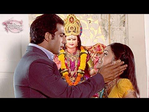 ahem-&-gopi's-meera-in-danger-in-starplus'-saath-nibhana-saathiya-7th-april-2014-full-episode