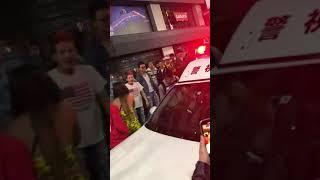 渋谷ハロウィン 警察を妨害する暴徒