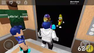 Alittle video ( The normal elevator ROBLOX )