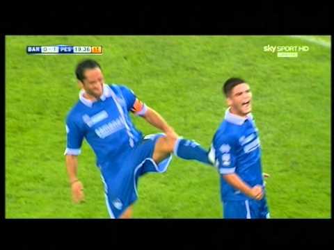 Bari 0-2 Pescara - Lorenzo Insigne, doppietta al Bari ed esultanza da galletto