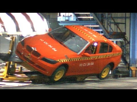 BMW 3 series E90 Crash Test