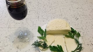 Адыгейский сыр в домашних условиях. Рецепт(В этом видео я расскажу как просто и быстро приготовить адыгейский сыр в домашних условиях. Рецепт приготов..., 2016-03-08T08:00:01.000Z)