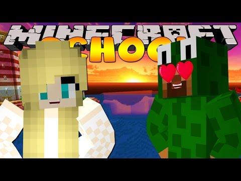 Minecraft School - VISITING SARAH'S DREAM!