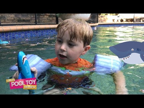 SwimWays Dive And Glide Shark Vs The Original Toypedo | Liam's Pool Toys Review