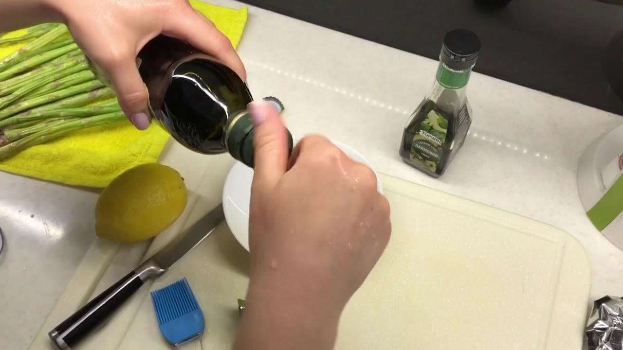Заправка к Салату . Соевый соус оливковое масло чеснок и сок лайма
