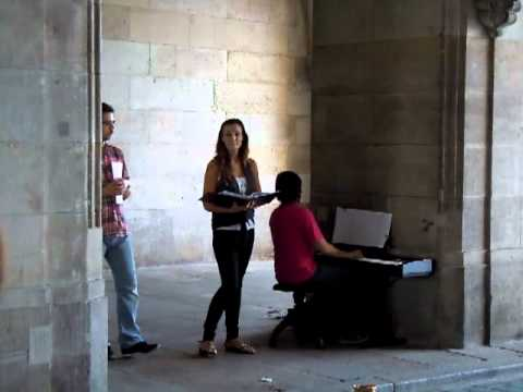 Beautiful opera singing on the streets of Dresden