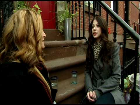 Talk Stoop with Michelle Trachtenberg  - As Seen on New York NonStop