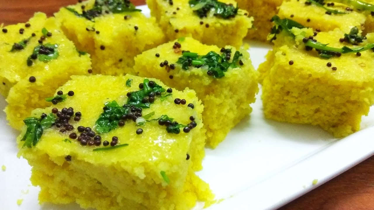 Dhokla recipe in hindi soft and spongy khaman dhokla recipe dhokla recipe in hindi soft and spongy khaman dhokla recipe dhokla in cooker food forever forumfinder Images