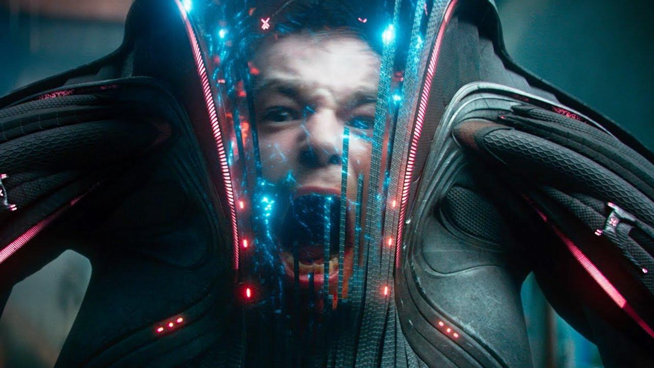 科幻片《莫斯科陷落》:男子捡到一具外星机甲,却低估了它的威力